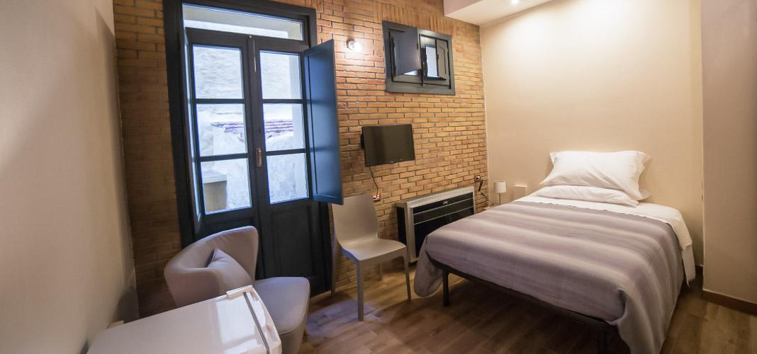 Capittalrooms affitta camere sassari sardegna sardinia for Piani di sei camere da letto